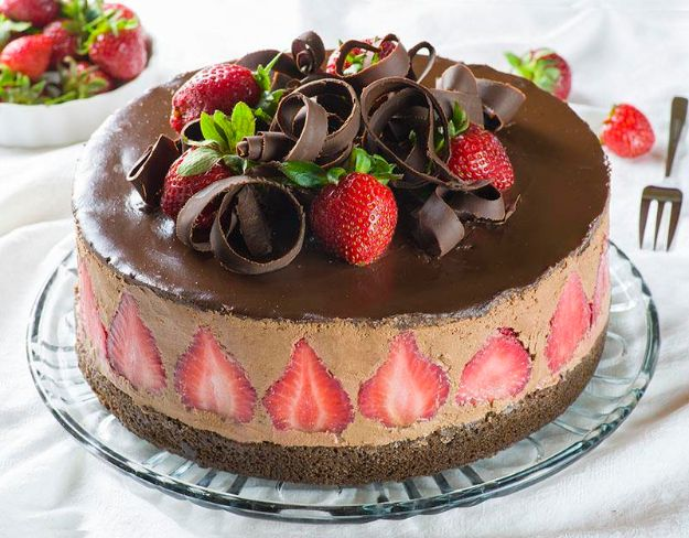 DIY Birthday Cakes - Strawberry Chocolate Cake - How To Make A Birthday Cake With Step by Step Tutorial - Bake Homemade Cakes for Special Occasions and Birthdays With These Best Birthday Cake Recipes - Fancy Chocolate, Basic Vanilla Buttercream, Easy Ideas for Beginners, Quick Cakes For Last Minute Desserts - Cute Cakes for Women and Men, Girls and Boys, Kids and Adults - Icing Tutorials and Do It Yourself Cake Decorating Tips http://diyjoy.com/diy-birthday-cakes