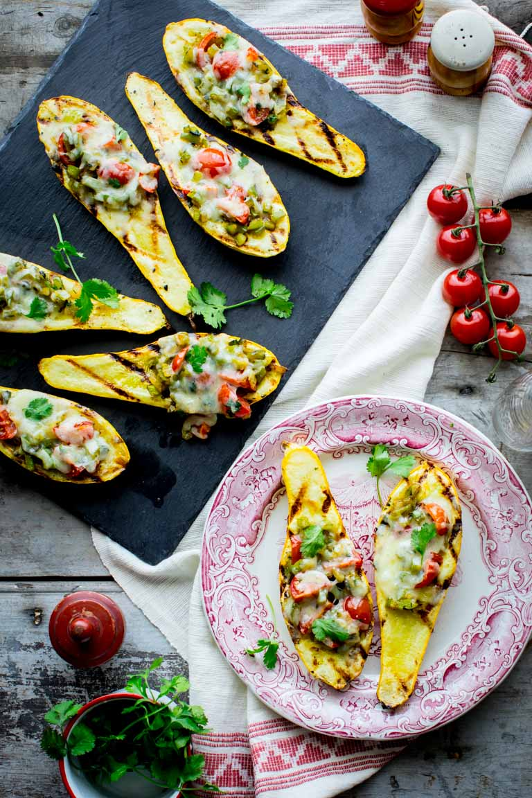 Low-Carb Grilled Summer Squash Boats are an awesome gluten-free vegetarian grilling recipe! | Healthy Seasonal Recipes | #lowcarb #vegetarian #grilling #glutenfree