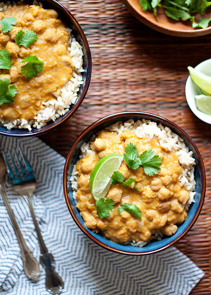 slow-cooker-pumpkin-chickpea-and-red-lentil-curry