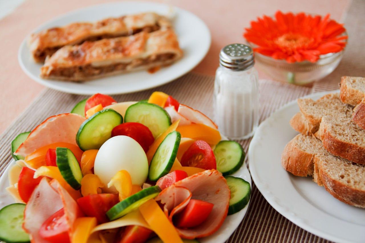 A Healthy Breakfast  Breakfast & A Bucket of Balls Golf Date