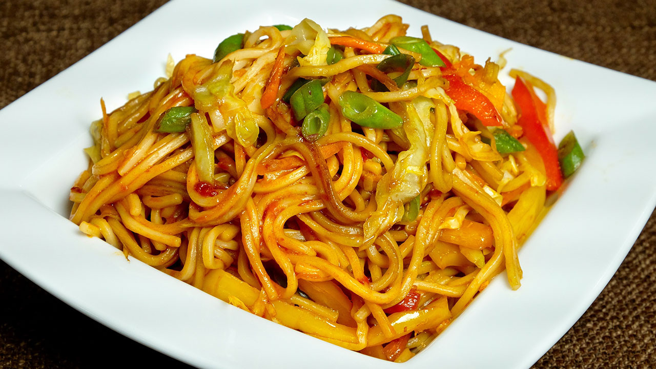 Are Chow Mein Noodles Vegan  Ve able Hakka Noodles Chow Mein Manjula s Kitchen