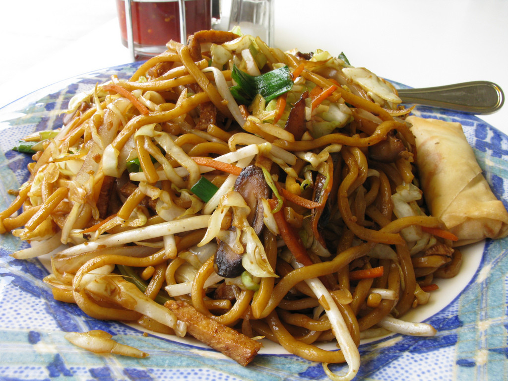 Are Chow Mein Noodles Vegan  chow mein noodles at Loving Hut Vegan Cuisine