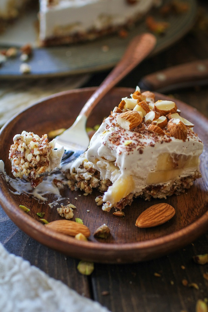 Banana Desserts Vegan  No Bake Vegan Banana Cream Pie Paleo The Roasted Root