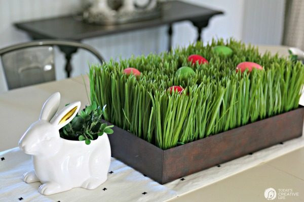 Cheap Easter Dinner Ideas  Easy Easter Table Decorations