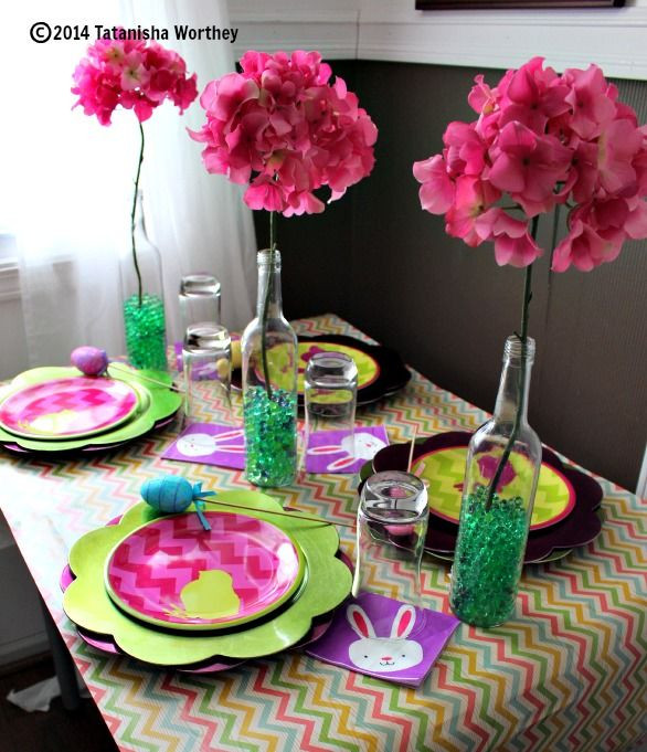 Cheap Easter Dinner Ideas  Using Wrapping Paper to Cover Tables frugal table decor