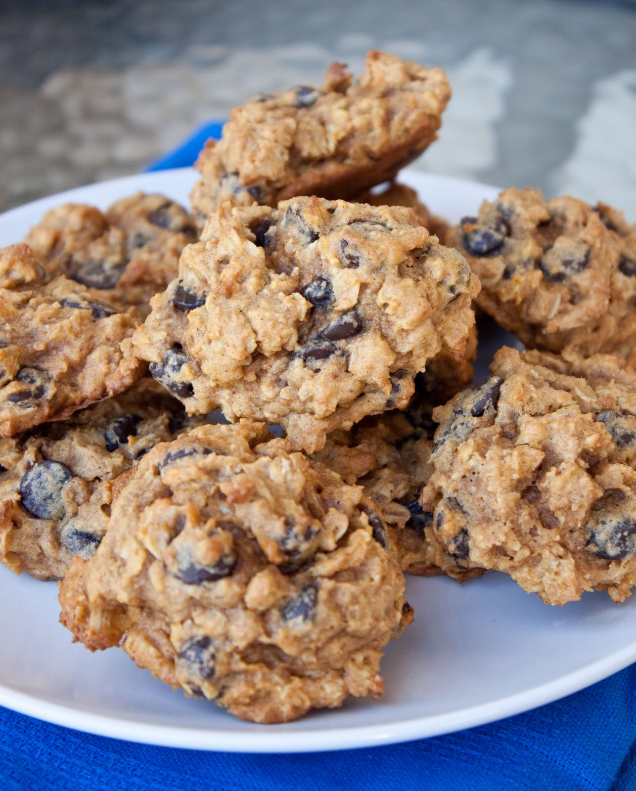 Choc Chip Oatmeal Cookies Healthy  healthier oatmeal chocolate chip cookies