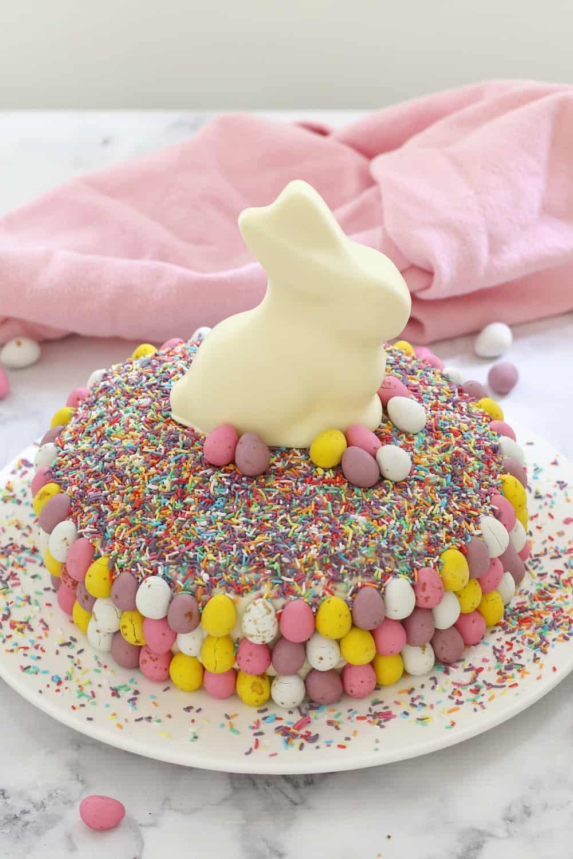 Chocolate Easter Cake  Easy White Chocolate Easter Cake 15 Minutes Bake Play