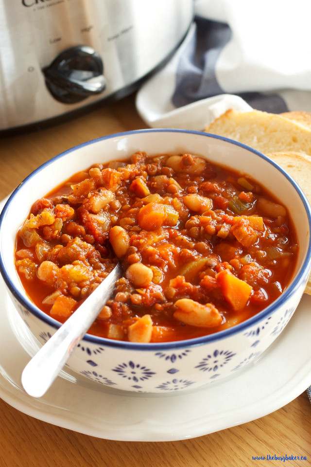 Crockpot Chili Vegetarian  Crock Pot Ve arian Chili Slow Cooker The Busy Baker