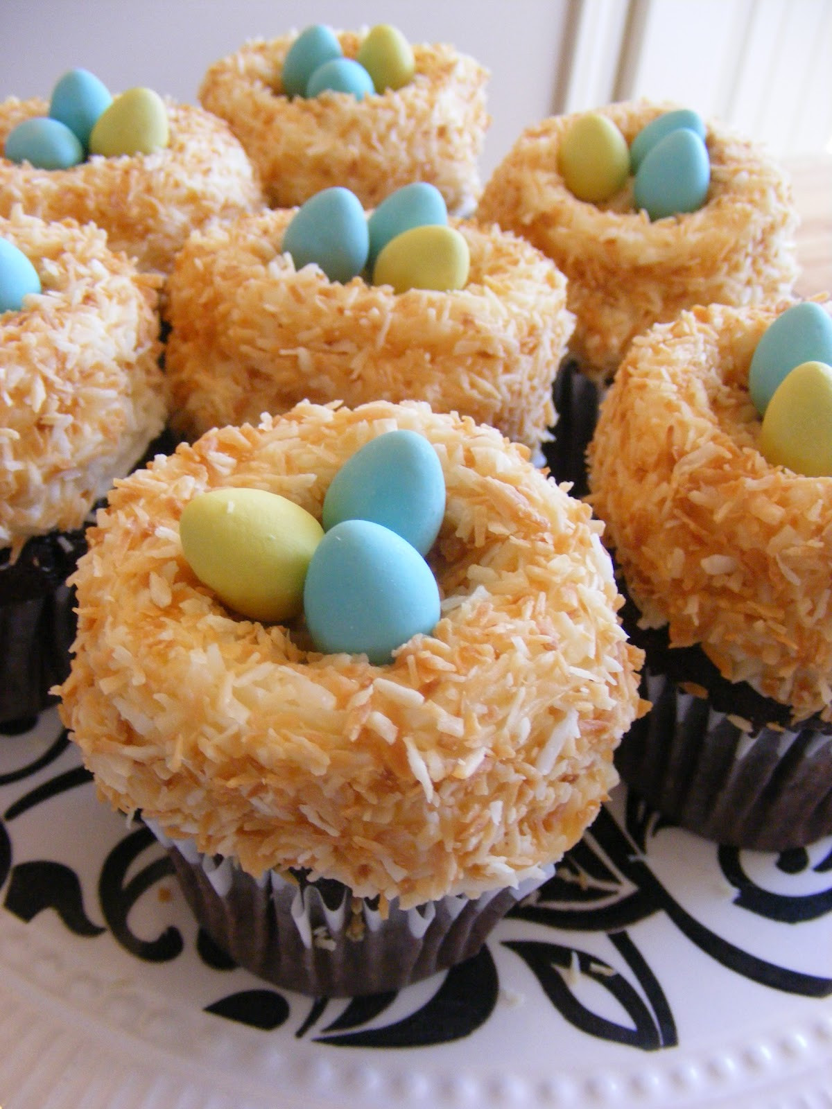 Cute Easter Cupcakes  Two Super Easy Super Cute Cupcakes for Easter