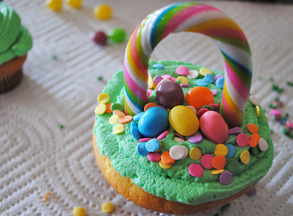 Easter Basket Cupcakes  How to Make Easter Basket Cupcakes 5 Minutes for Mom