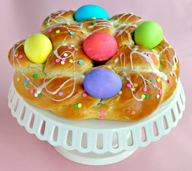 Easter Bread With Eggs  Epicurus Recipes