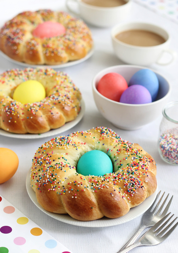 Easter Bread With Eggs  Italian Easter Bread