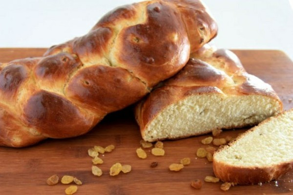 Easter Bread With Raisins  Happy Easter As We Celebrate Easter In Europe – Fresh