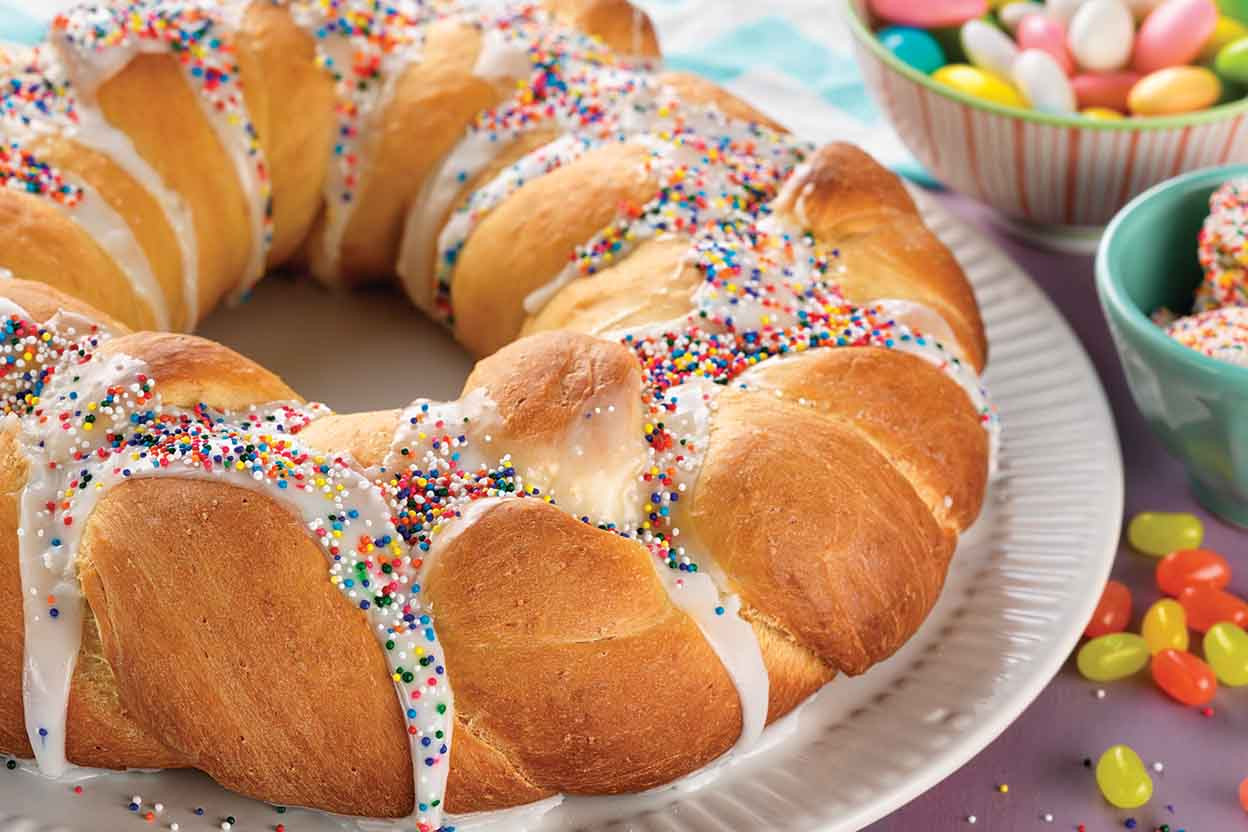 Easter Bread With Raisins  sweet easter bread
