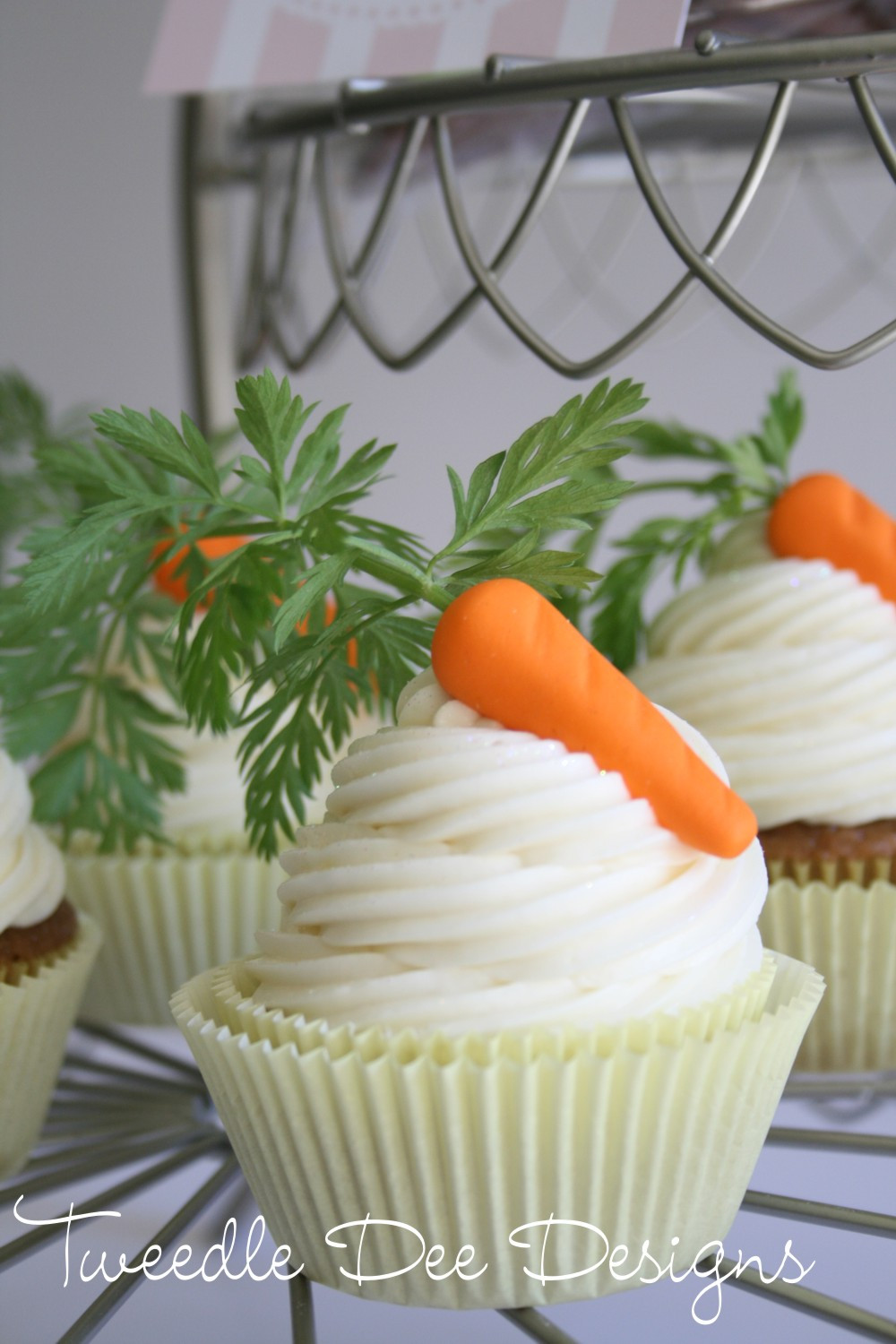 Easter Carrot Cake Cupcakes  easter cookies