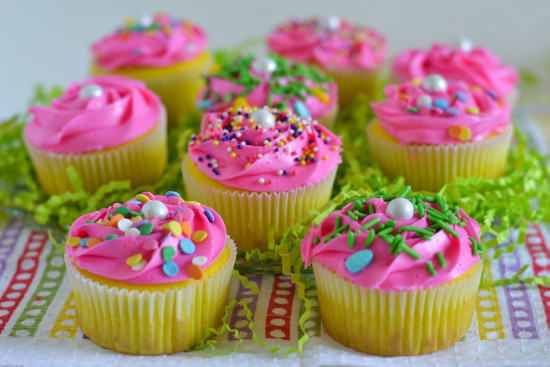 Easter Cupcakes Images  Easter Cupcakes Funfetti Surprise Flour My Face