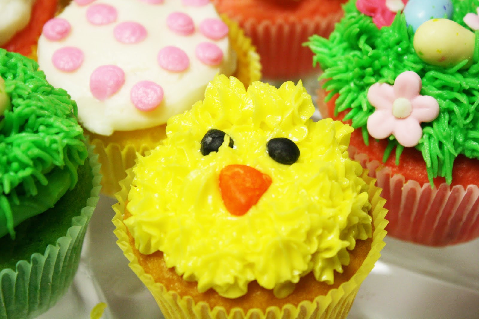 Easter Cupcakes Images  Spring & Easter Cupcakes