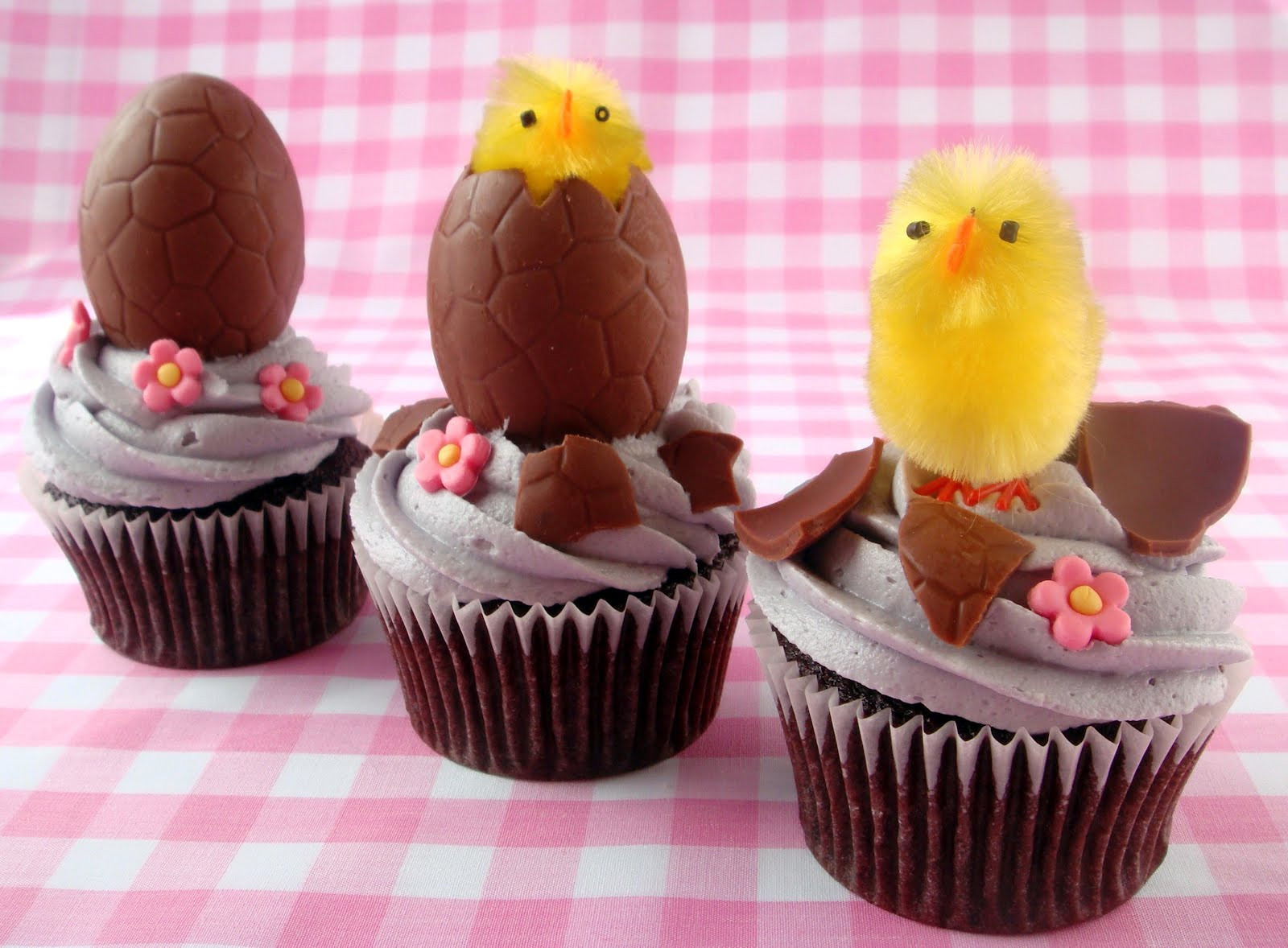 Easter Cupcakes Images  butter hearts sugar Hatching Egg Easter Cupcakes