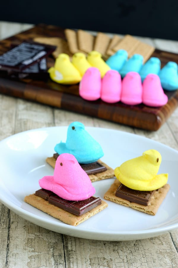 Easter Desserts With Peeps  Easy Edible Easter Crafts Things to Do with Marshmallow