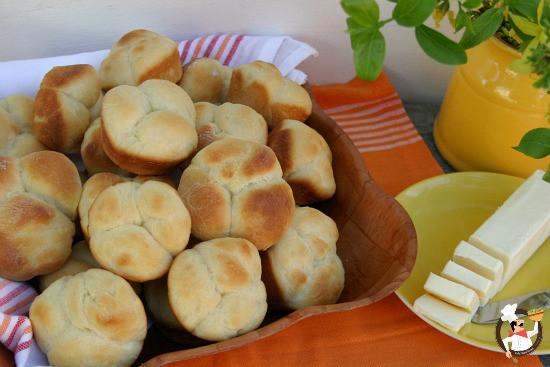 Easter Dinner Rolls  Cloverleaf Rolls for Easter Dinner Recipe