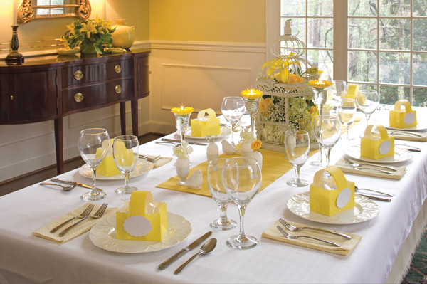 Easter Dinner Table Decorations  Simple Easter place setting ideas