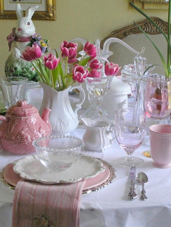 Easter Dinner Table Decorations  Lovely Pink & White Easter Dinner Table s