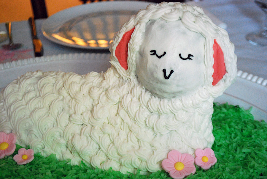 Easter Lamb Decorations  How to Decorate an Easter Lamb Cake Merriment Design