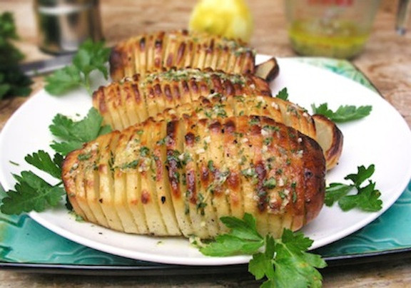 Easter Vegetarian Recipes  Hasselback Potatoes