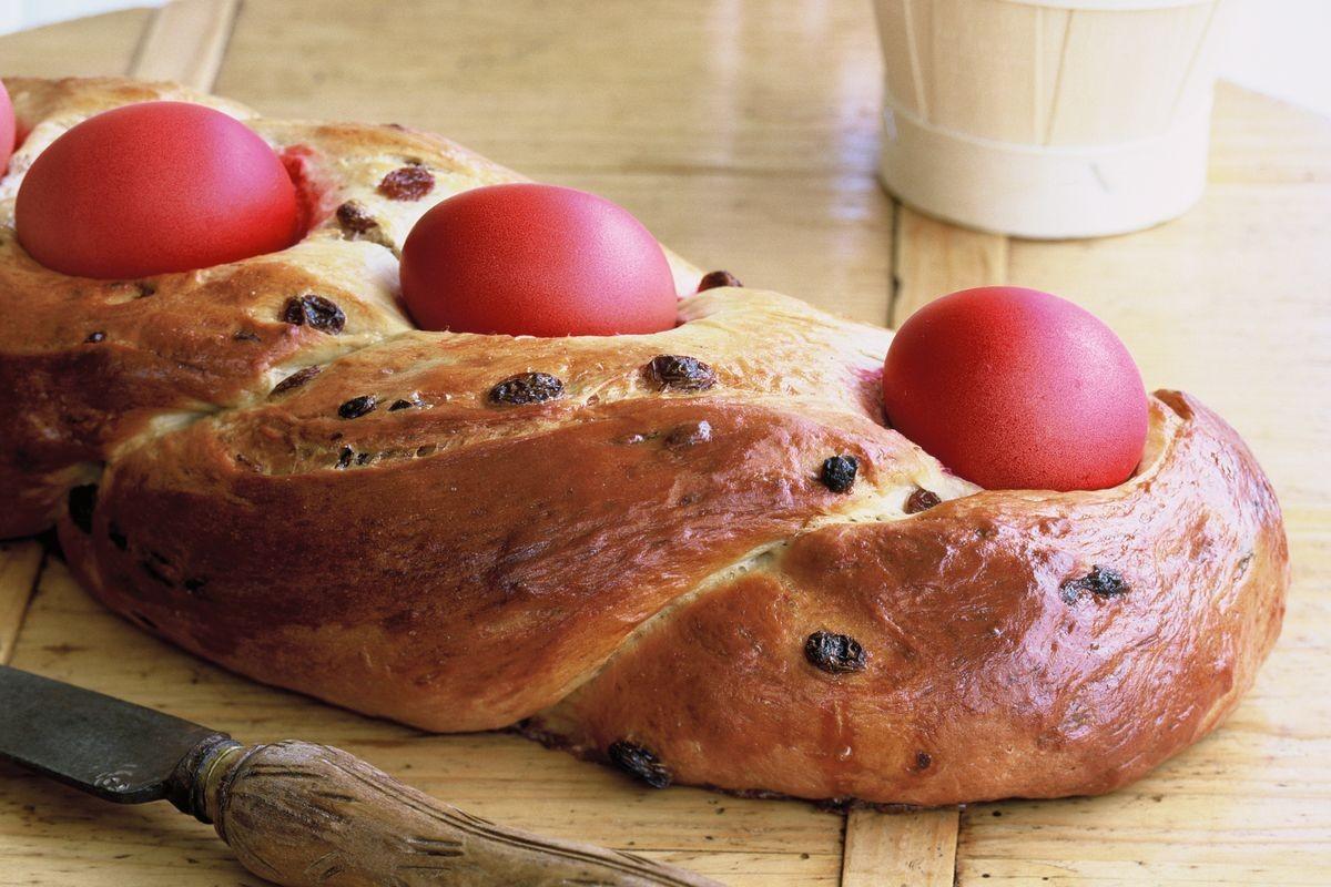 Easy Easter Bread Recipe  Russian Easter bread Recipes delicious