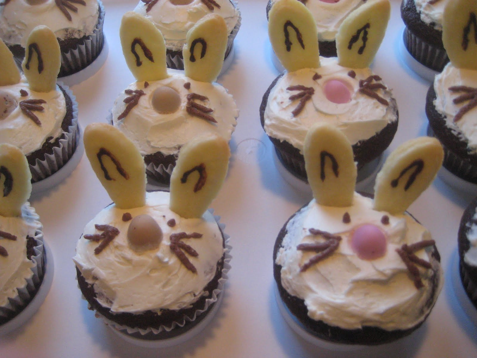Easy Easter Cupcakes  Simply Beautiful Now Simple Easter cupcakes