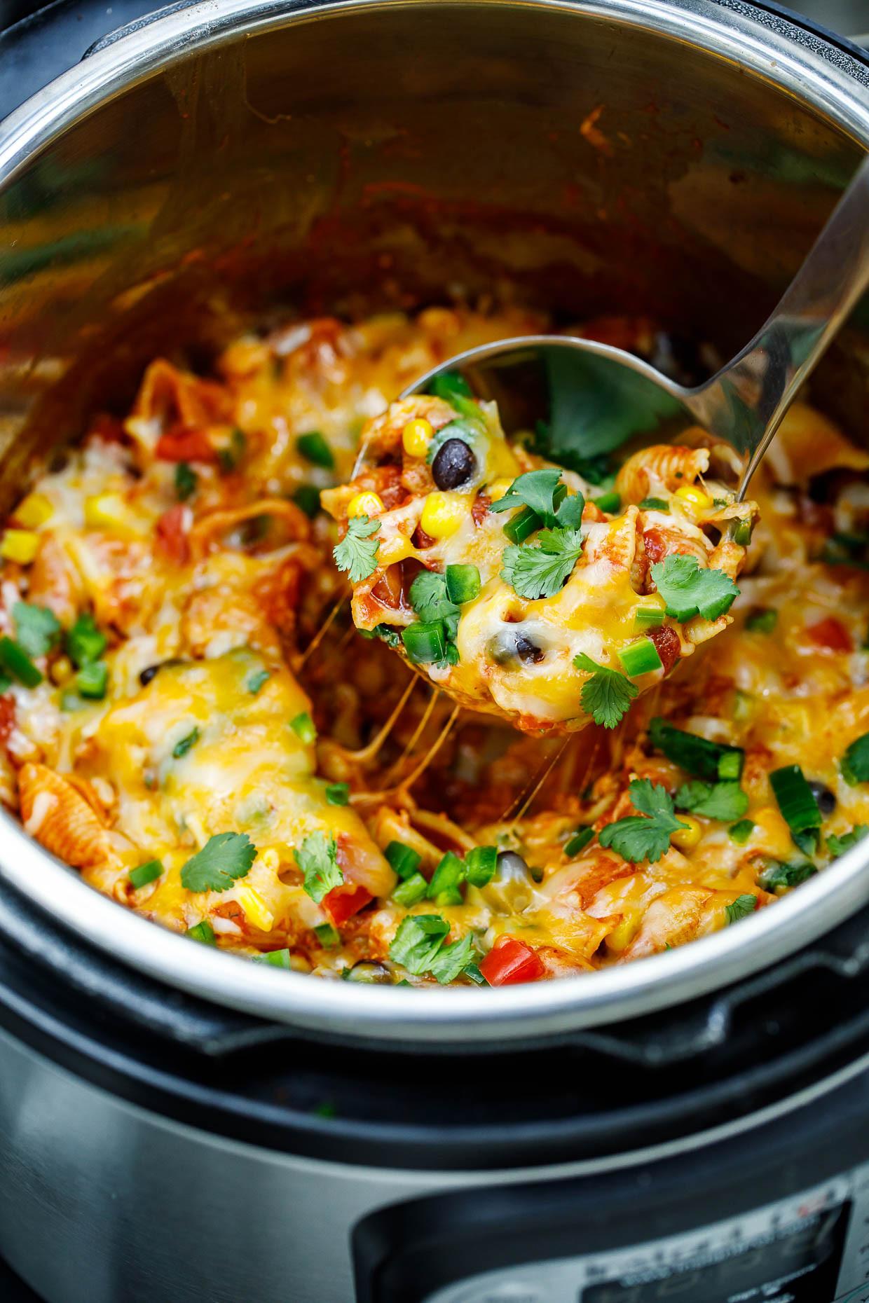 Easy Instant Pot Recipes Vegetarian  Ve arian Instant Pot Taco Pasta Recipe Peas and Crayons