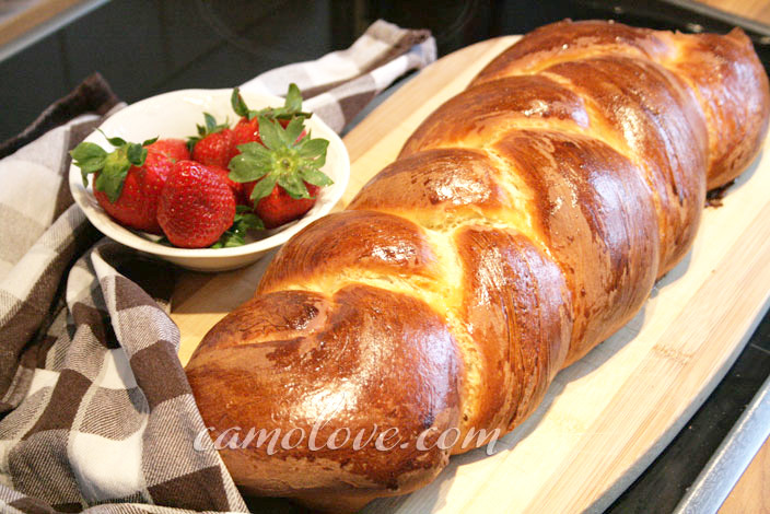 German Easter Bread  Vanilla Easter Braid Bread – Osterzopf