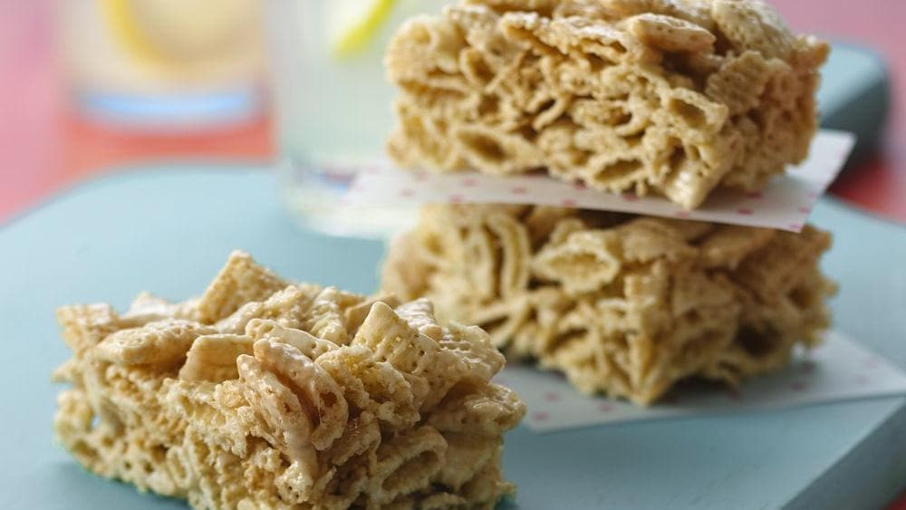 Gluten Free Treats Recipes  5 Things You Can Make with a Box of Chex Cereal