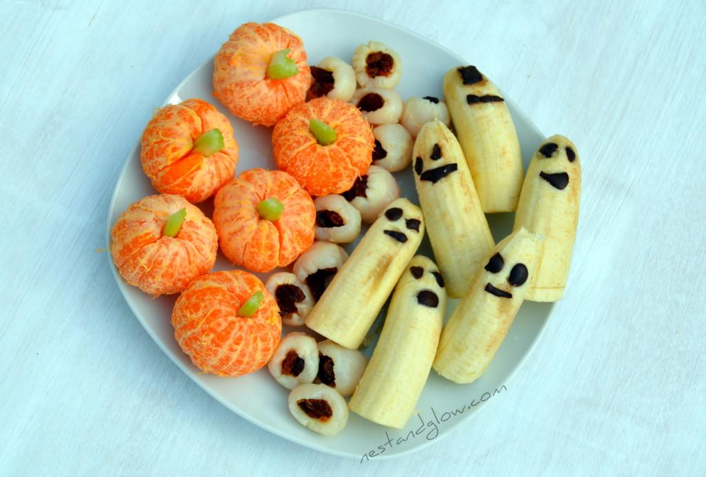 Halloween Healthy Snacks  Healthy Halloween Treats Lychee Eyeballs Banana Ghosts