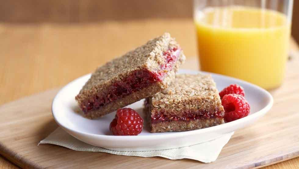 Healthy Breakfast Bars  Healthy Breakfast Bar Recipe Whole Grain Raspberry