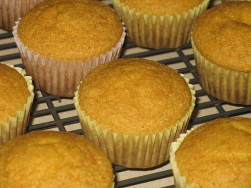 Healthy Cornbread Muffins  Healthy Cornbread Muffins fail I knew I was