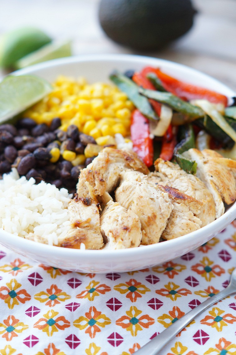 Healthy Dinner Ideas With Chicken  Chicken Fajita Rice Bowls
