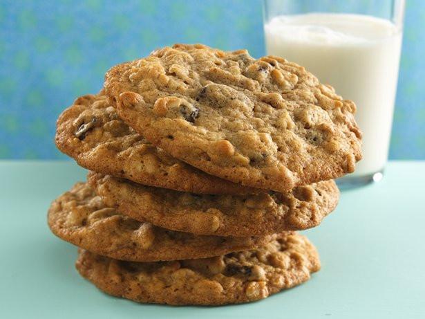 High Fiber Oatmeal Cookies  Cinnamon Raisin Oatmeal Cookies recipe from Betty Crocker