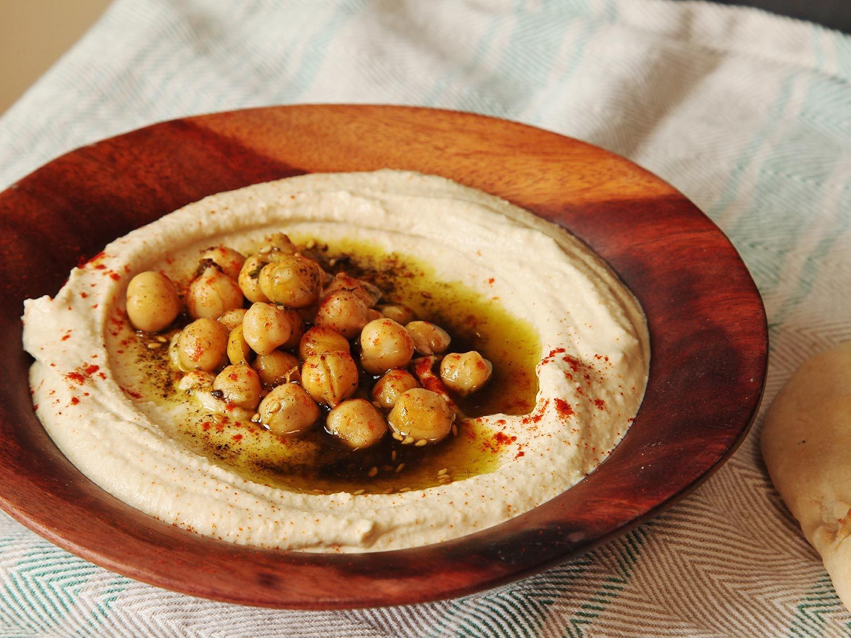 Israeli Vegetarian Recipes  The Best Smooth Hummus Recipe