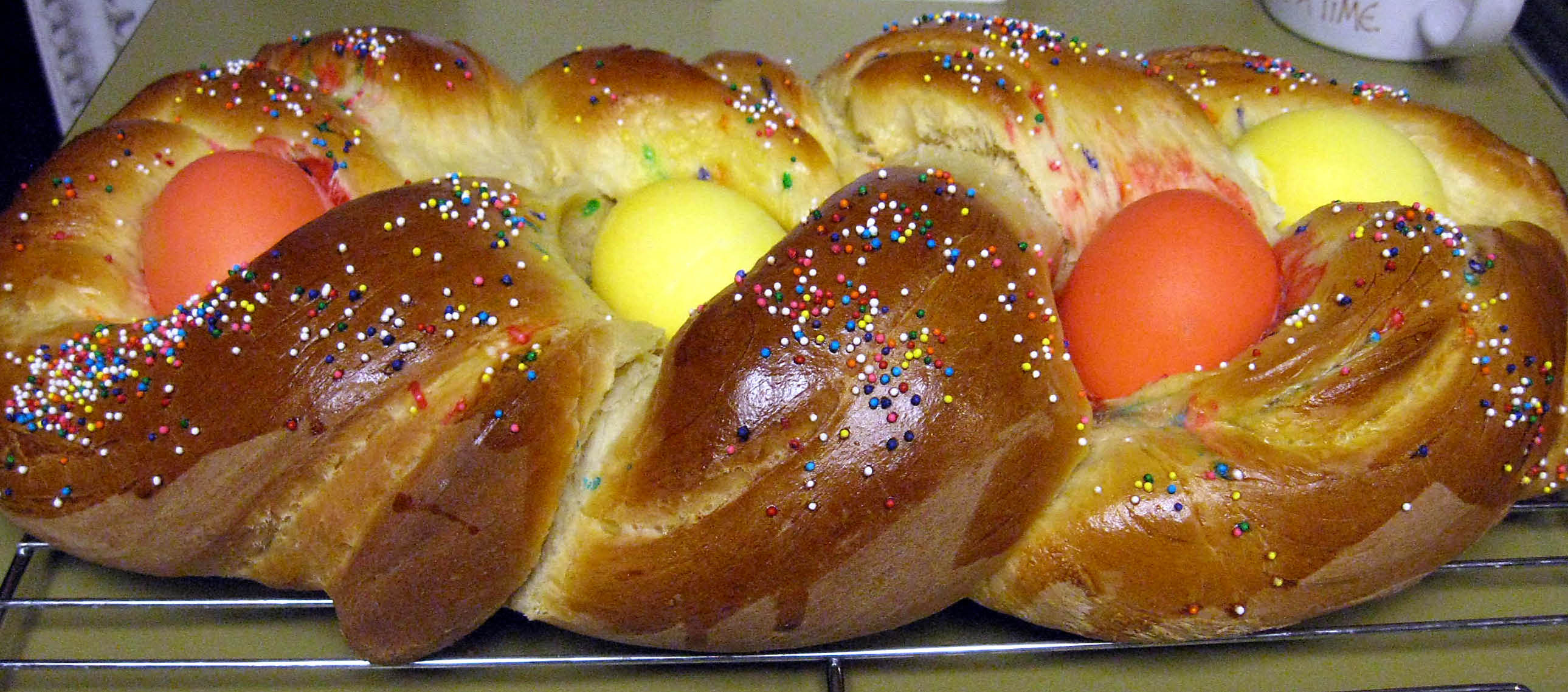 Italian Easter Bread With Meat  Italian Easter Bread food to eat with tea