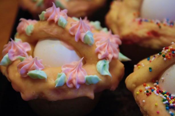 Italian Easter Cookie Recipes  Italian Easter Egg Basket Pupa Cu Lova Recipe Food
