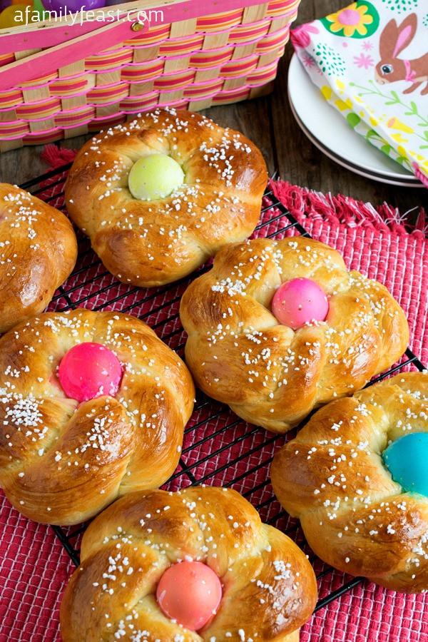 Italian Easter Dinner Traditions  Italian Easter Bread Pane di Pasqua A Family Feast