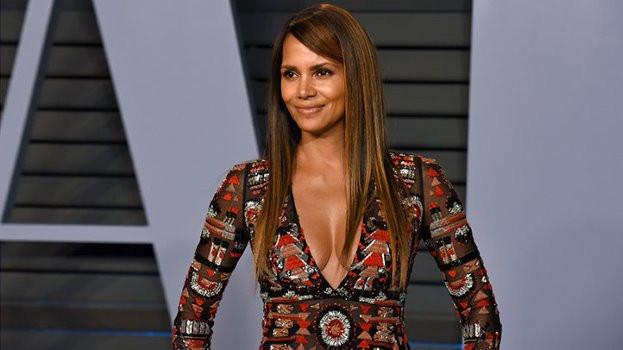 Keto Diet Celebrities  Celebs Who Love the Keto Diet Kim Kardashian Halle Berry