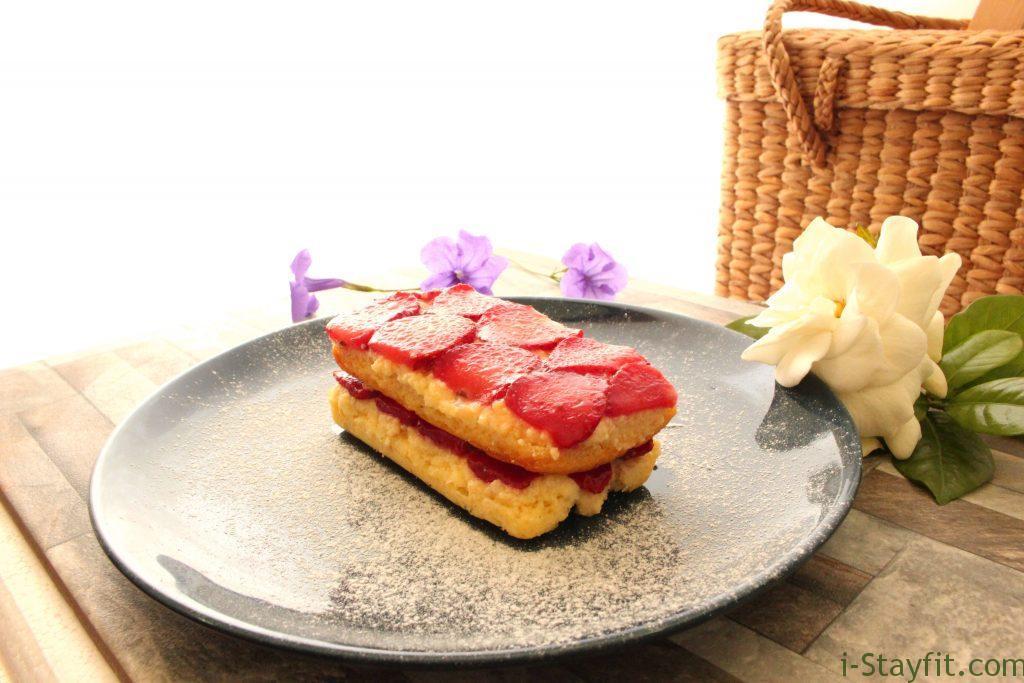 Keto Strawberry Cake  Keto Strawberry Shortcake – i Stayfit