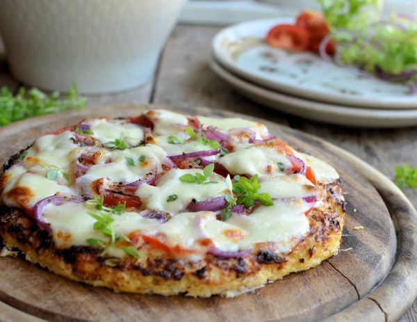 Low Calorie Cauliflower Recipes  Low Calorie Cauliflower Crust Pizza Gluten Free Paleo