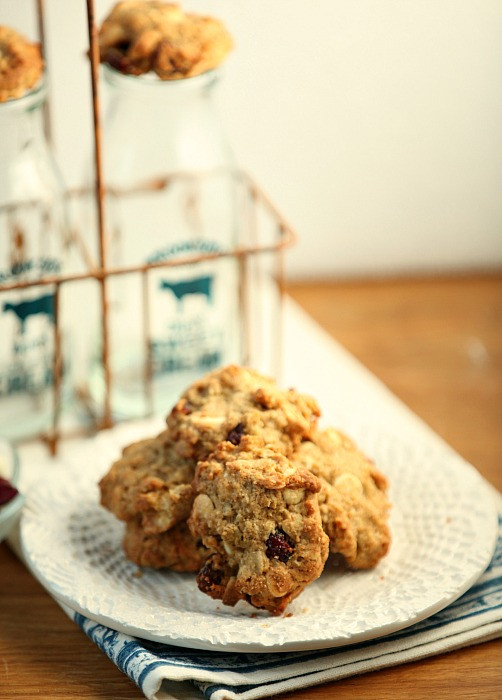 Low Calorie Oatmeal Cookies  Oatmeal Cranberry White Chocolate Cookies Low Calorie