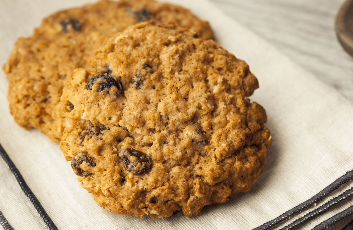 Low Calorie Oatmeal Recipes  Very Low Fat Low Calorie Oatmeal Raisin Cookies Recipe