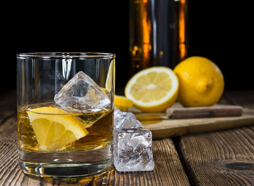 Low Calorie Whiskey Drinks  Low Calorie Alcoholic Drinks for Weight Loss
