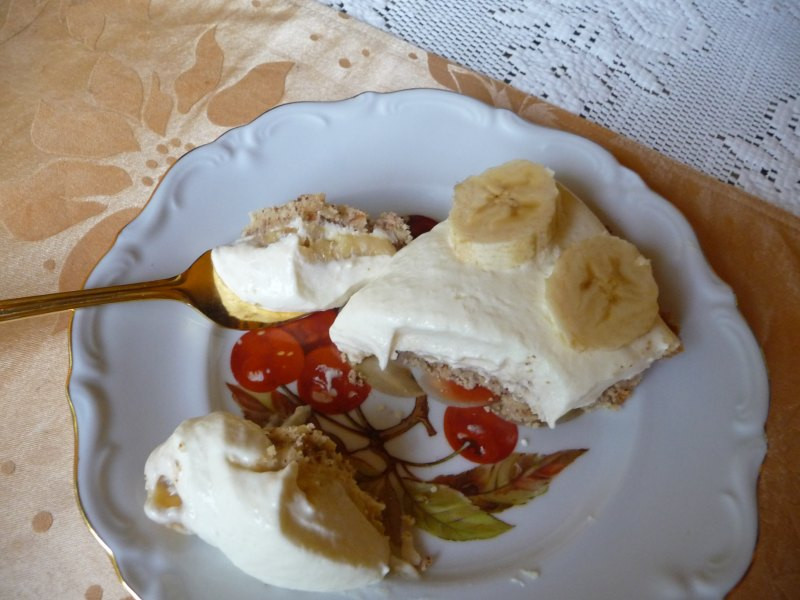 Low Carb Banana Cream Pie  SPLENDID LOW CARBING BY JENNIFER ELOFF Banana Cream Pie GF