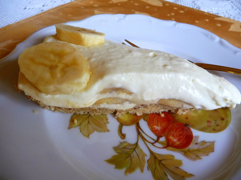 Low Carb Banana Cream Pie  SPLENDID LOW CARBING BY JENNIFER ELOFF BANANA CREAM PIE